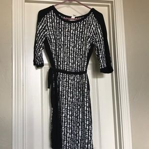 Black & white 3/4 sleeve office appropriate dress